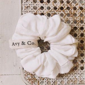 Avy & Co